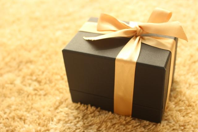 中学生/高校生/大学生/20歳の誕生日プレゼント[親から]いつまで?[息子/娘]相場と値段を調査!